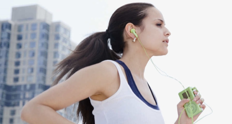 RUNNING-WITH-HEADPHONES